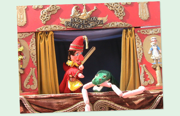 punch-and-judy-brighton-beach-3